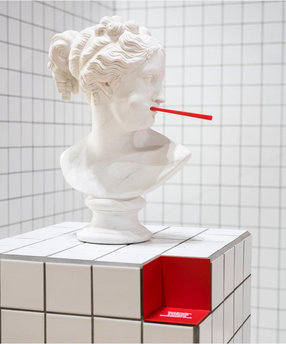 socha Swissdent Penelopé s kartáčkem